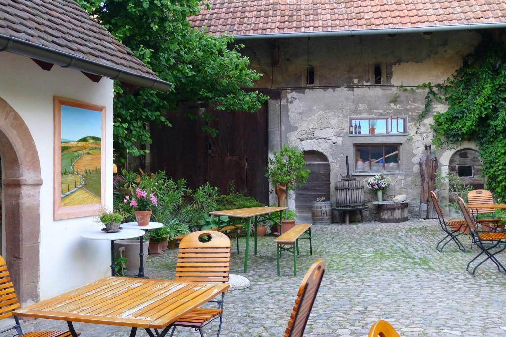 Elenas Werke am Cafe Inka